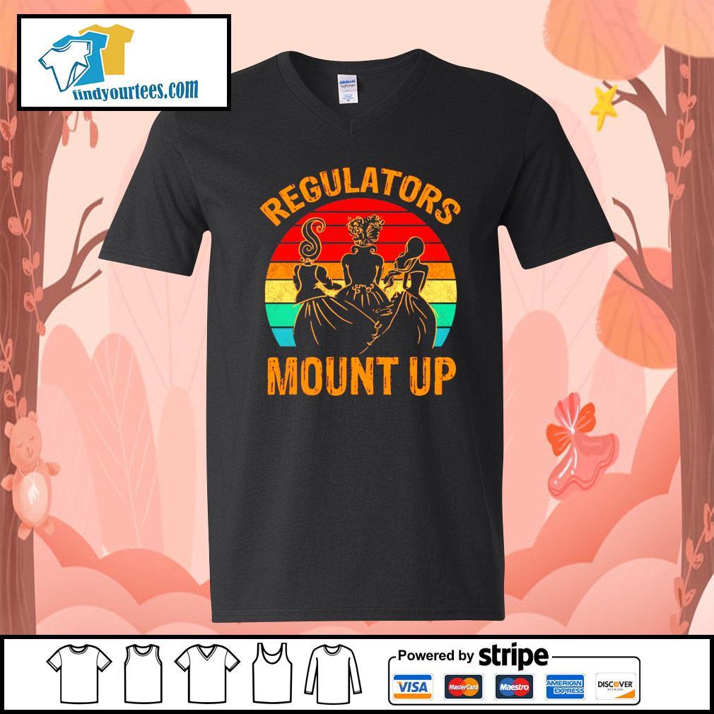 Hocus Pocus regulators mount up vintage s V-neck-T-shirt