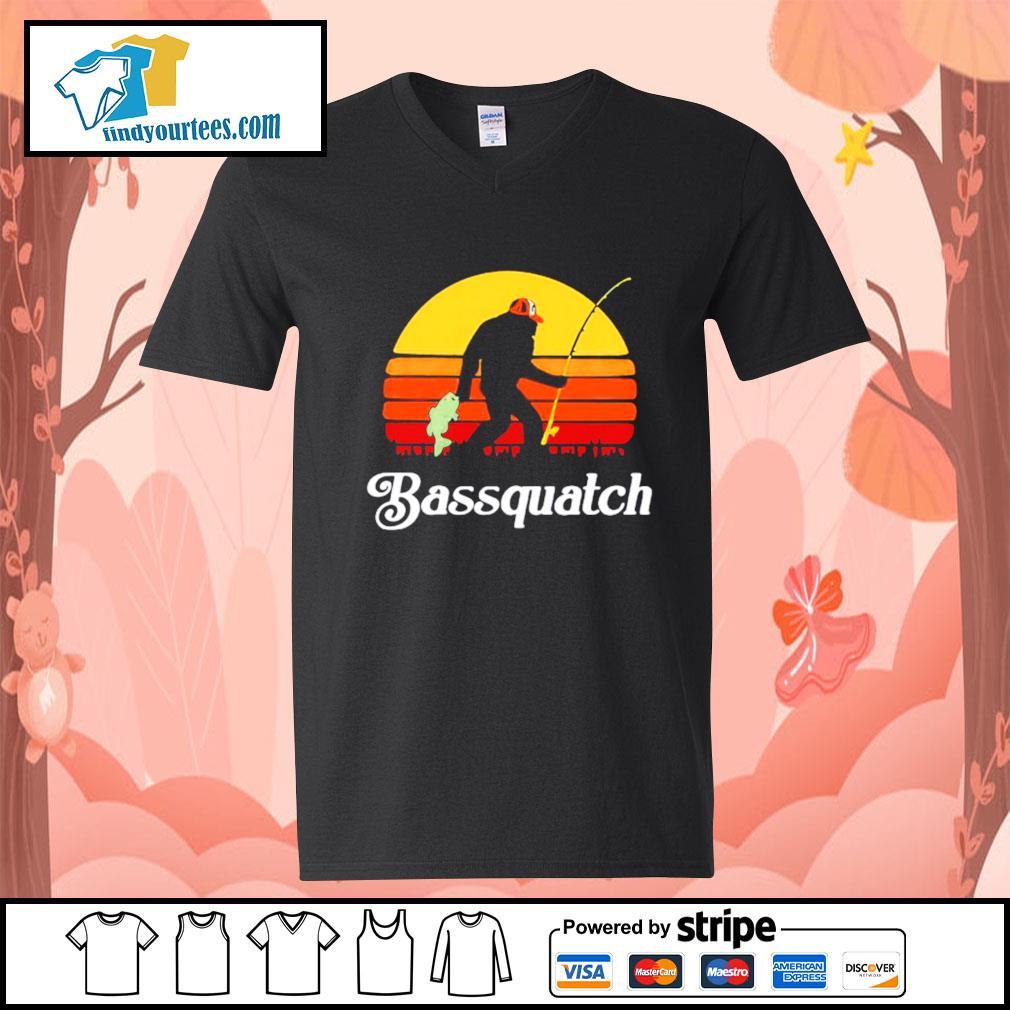Bigfoot fishing bassquatch vintage s V-neck-T-shirt