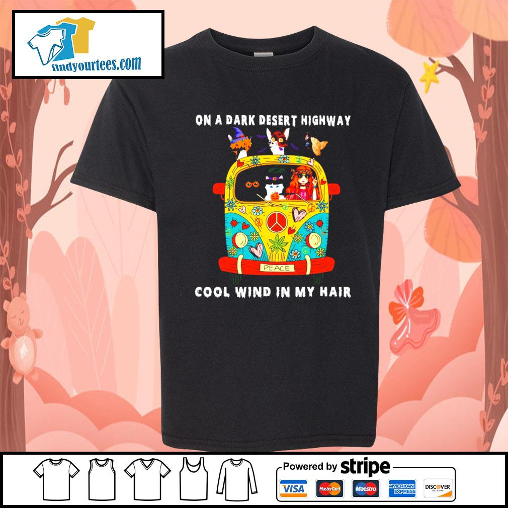 Girl and Cats on a dark desert highway cool wind in my hair s Kid-T-shirt