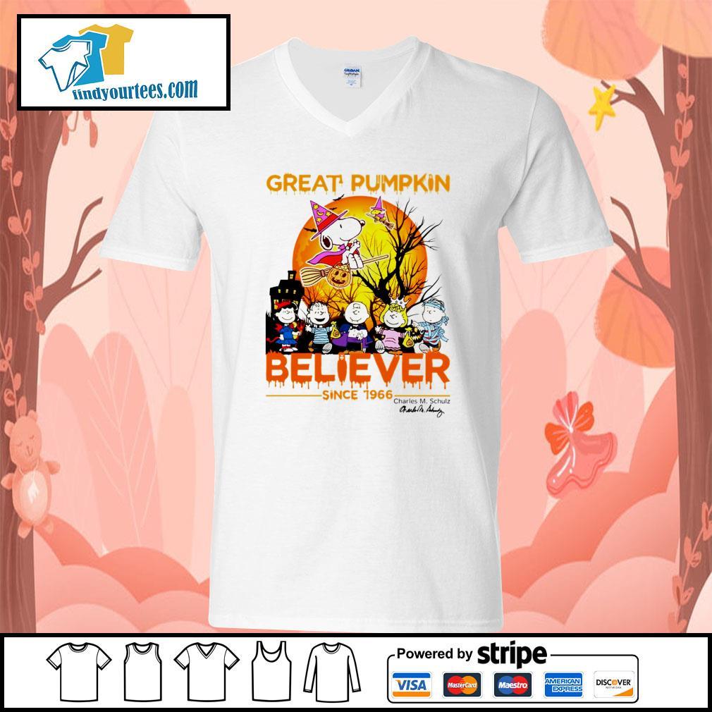 Great Pumpkin believer since 1966 Charles M. Schulz signature Halloween s V-neck-T-shirt