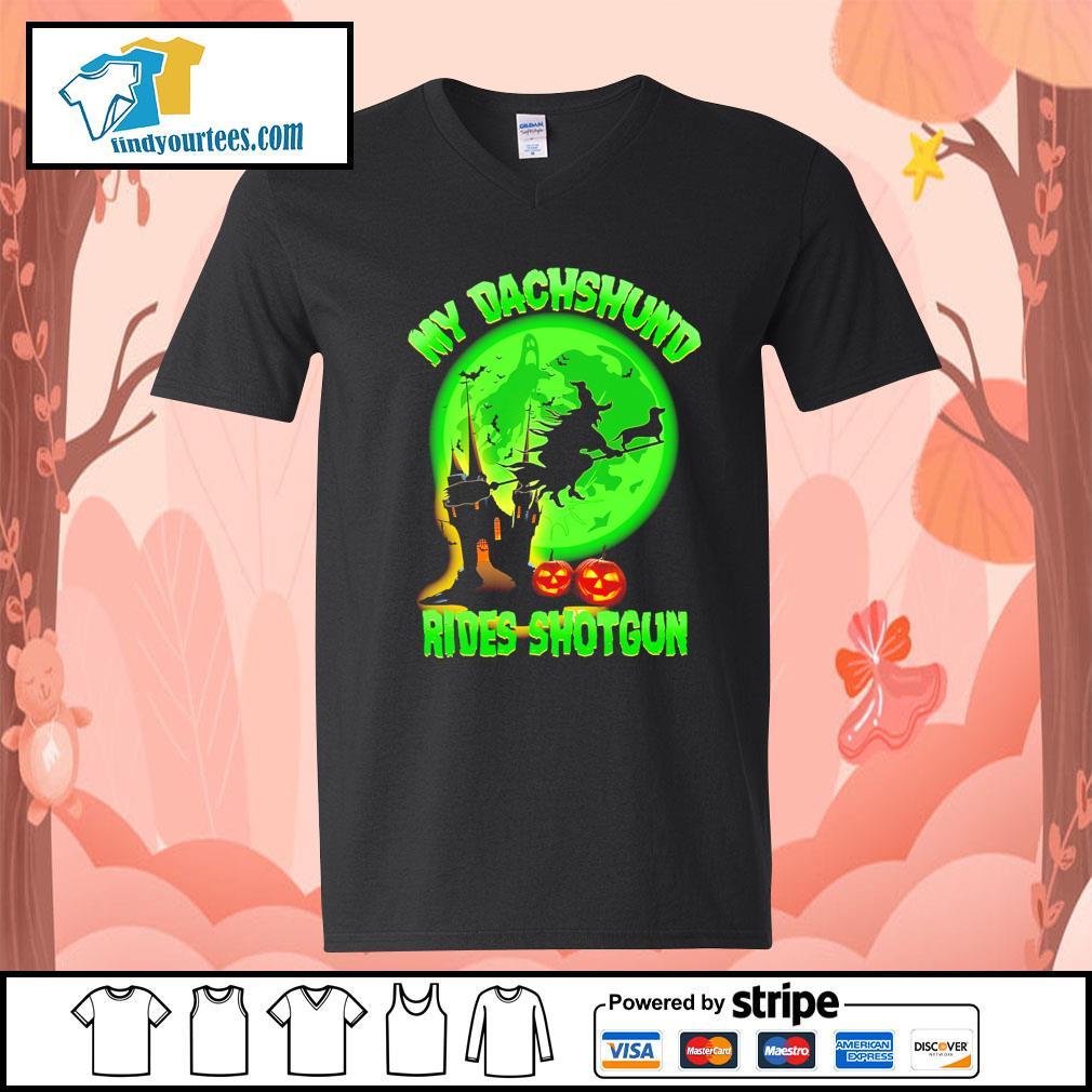 My Dachshund rides shotgun Halloween s V-neck-T-shirt