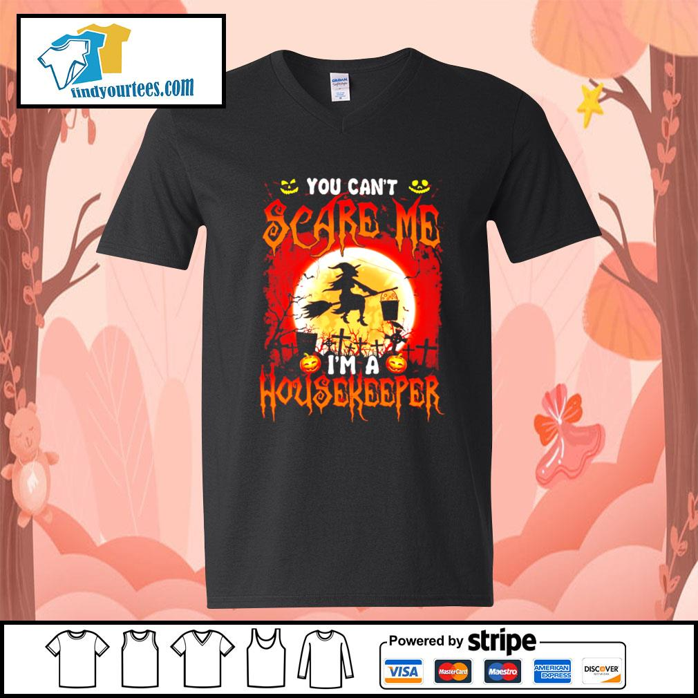 You can't scare me I'm a Housekeeper Halloween s V-neck-T-shirt